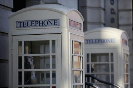 Город Халл (культурный центр Великобритании 2017) — единственное место в стране, где телефонные будки белые. Фото: Christopher Furlong/Getty Images
