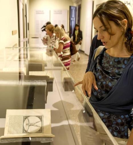 Сегодня, 29 августа 2013 года, в венецианской Галерее Академии (Италия) открылась выставка «Универсальный человек», посвящённая итальянскому мастеру эпохи Возрождения Леонардо да Винчи. Фото: Marco Secchi/Getty Images