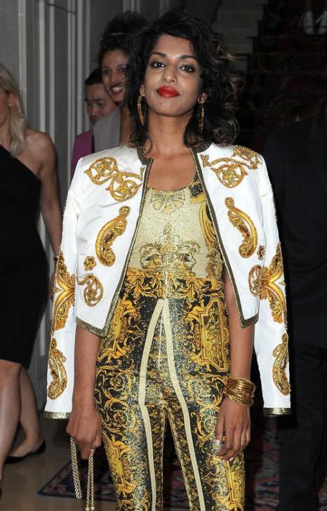 Знаменитости на показе моды Versace Haute Couture  в Париже.  M.I.A. Фоторепортаж.  Фото:  Pascal Le Segretain/Getty Images