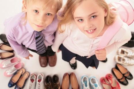 Как правильно выбрать детскую обувь. Фото: obuv.emwoman.ru
