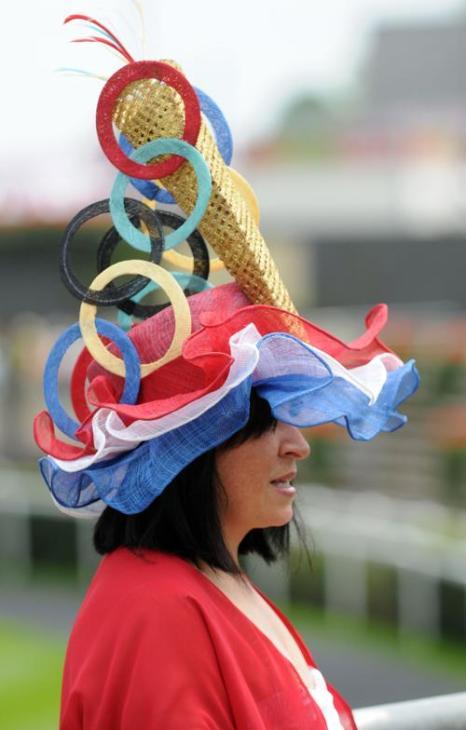 Наряды  и шляпы в Ladies Day на Royal Ascot-2012. Фоторепортаж. Фото: Indigo/Getty Images