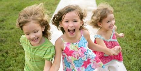В поисках модной детской одежды для девочек.  Фото:  graygray.ru