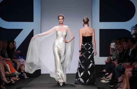 Итальянский дом моды Haute Couture представил новую коллекцию платьев на Неделе моды AltaRoma AltaModa осень/зима 2013-2014 в Риме 8 июля 2013 года. Фото: Villa Elisabetta/Getty Images