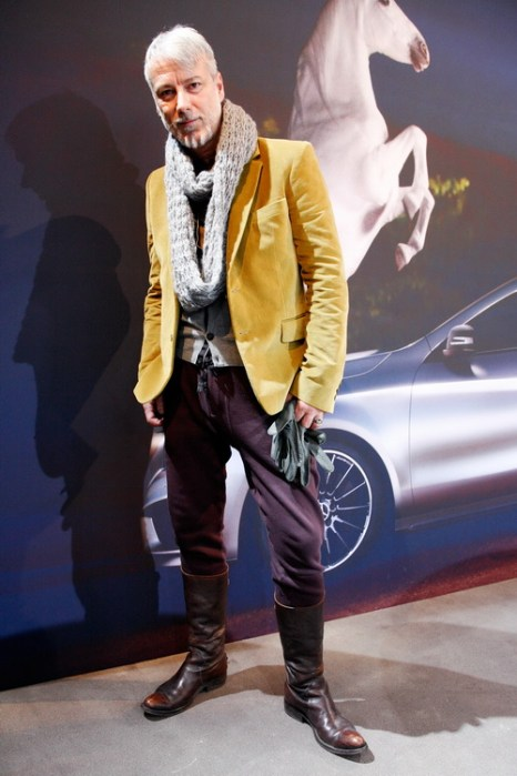 Стилист Frank Bohn в куртке от Prada и брюках Jack & Jones на Mercedes-Benz Fashion в Берлине, 18 января 2013 года. Фото: Anke Grelik/Getty Images