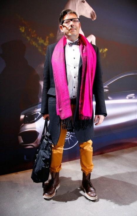 Мартин Вуттке (Martin Wuttke) в брюках Cotton Knowledge и сапогах Grenson на Mercedes-Benz Fashion в Берлине, 18 января 2013 года. Фото: Anke Grelik/Getty Images