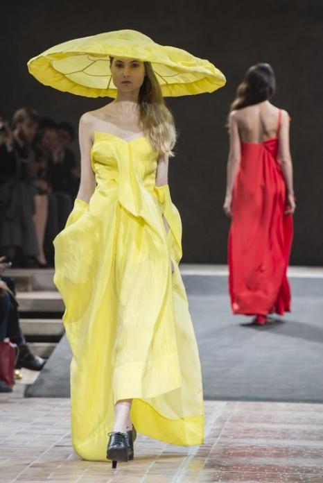 Йоши Ямомото представил новую коллекцию в Германии. Фото: Getty Images