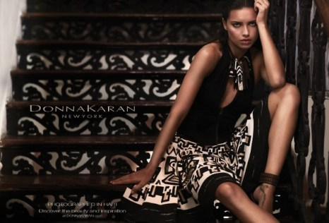 Рекламная кампания - Адриана Лима (Adriana Lima) для Donna Karan. Фото: hello-style.ru