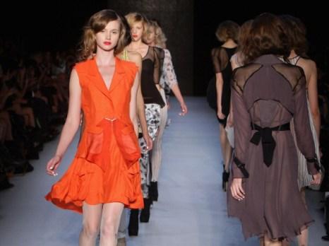 Фоторепортаж. Коллекция Dhini на Австралийской неделе моды 2011/12. Фото Lisa Maree Williams/Getty Images Entertainment