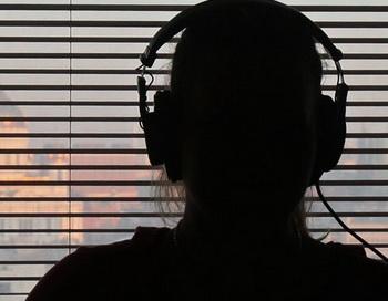 В студии радиостанции во время работы