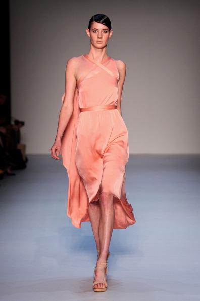 Весна-лето 2011/12: коллекция Carl Kapp на Австралийской неделе моды, 3 мая 2011 г, Сидней,   Австралия. Фото: Mark Nolan/Getty Images