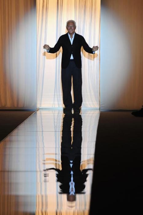 Джорджио Армани представил новую коллекцию Giorgio Armani осень-зима 2013/2014 прошёл на Неделе высокой моды в Париже. Фото: PATRICK KOVARIK/AFP/Getty Images