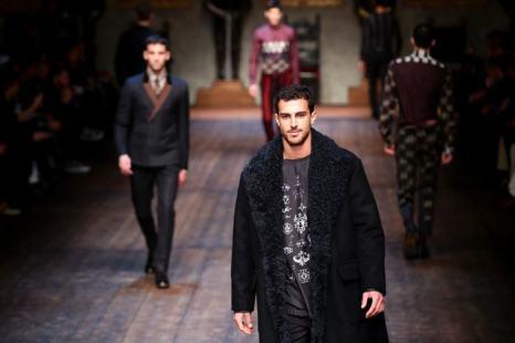 Популярный бренд двух дизайнеров Dolce & Gabbana представил 11 декабря в Милане мужскую линию одежды осенне-зимнего сезона. Фото: Vittorio Zunino Celotto/Getty Images