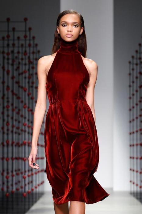 Эмилио де ла Морена провёл показ новой женской коллекции одежды 2014 в первые дни Недели моды в Лондоне. Фото: Tristan Fewings/Getty Images