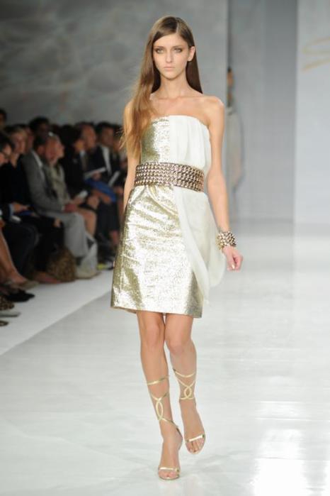 Итальянский модный дом Genny презентовал коллекцию женской одежды сезона весна-лето 2014 на миланской Неделе мод 23 сентября 2013 года. Фото: Stefania DAlessandro/Getty Images