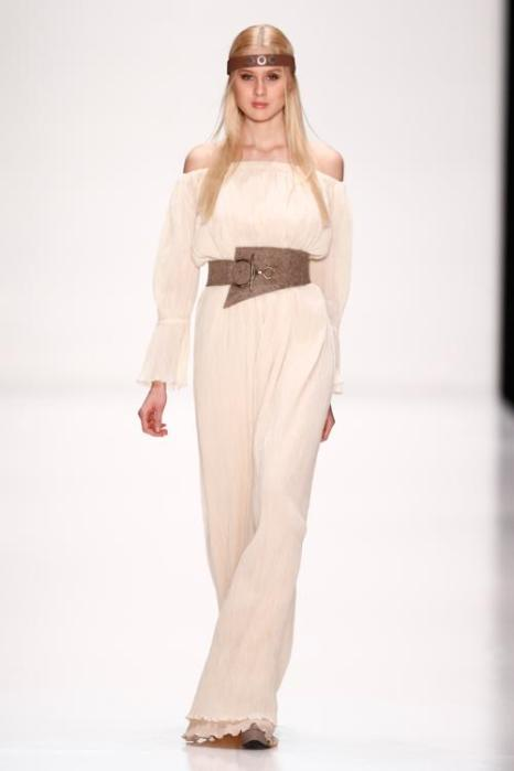 Начинающий российский дизайнер Юлия Крупинская представила 29 октября 2013 года на российской Неделе моды коллекцию одежды под названием «ProЖенственность». Фото: Andreas Rentz/Getty Images for Mercedes-Benz Fashion Week Russia