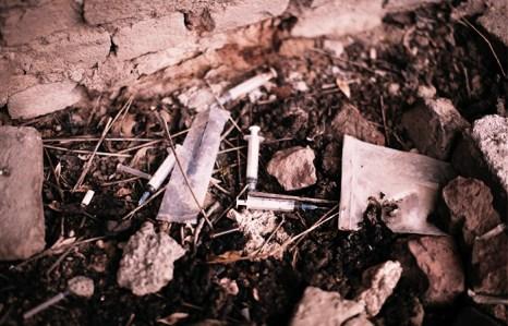 Пока наркотики будут предлагать более весомые альтернативы, выиграть войну с зависимостью невозможно. Фото: MAURICIO LIMA/AFP/Getty Images