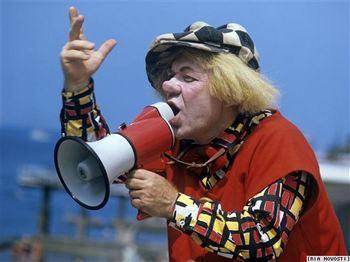 Пригласите клоуна на день рождения. Фото с сайта svobodanews.ru