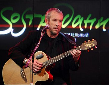 Легендарный музыкант Андрей Макаревич. Фото с сайта yandex.ru