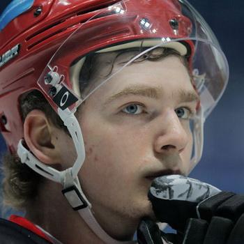 Нападающий сборной России по хоккею Евгений Кузнецов. Фото РИА Новости