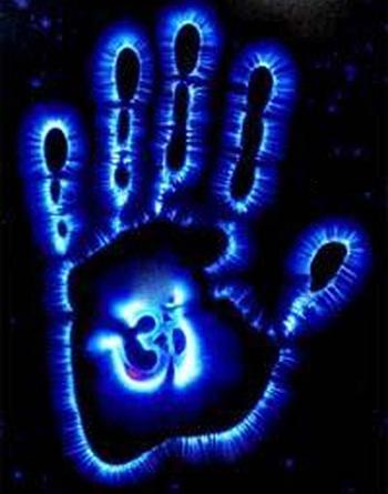 Свечение тела может свидетельствовать о состоянии здоровья человека и его мышлении. Фото: astral.bloguez.com