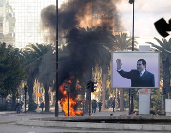 Зин Абидин Бен Али вынужден был покинуть Тунис, которым управлял на протяжении 23 лет. Фото: FETHI BELAID/AFP/Getty Images