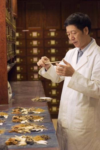 Санци - один из главных компонентов в известном всему миру лекарстве «Юннан байяо». Фото: Ken Chernus/Getty Images