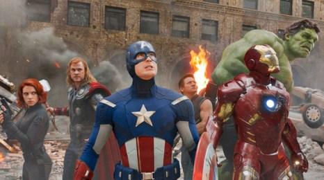 Сцены насилия в фильмах, новостях, играх или комиксах выступают в качестве триггеров для активации агрессивных мыслей, которые уже хранятся в памяти. Фото: кадр из фильма «Мстители»