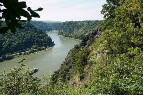Долина Рейна со скалой Лорелеи. Фото c cайта flickr.com