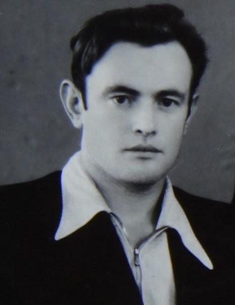 Слава Курилов в юности. Фото из семейного альбома