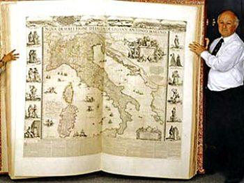 Атлас Кленке. Фото Британской библиотеки