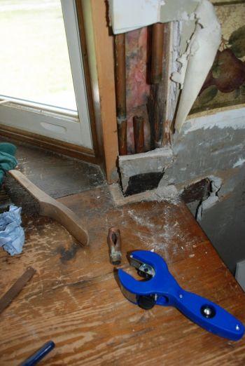 Если сразу не решать насущные проблемы, они, в конечном счёте, приведут к неприятностям. Фото с сайта theepochtimes.com