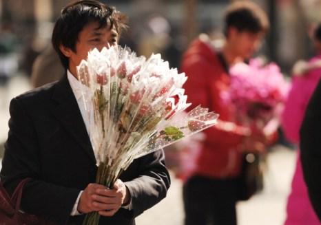 День святого Валентина отметили влюбленные всего мира. Китай, Фото: PETER PARKS/AFP/Getty Images