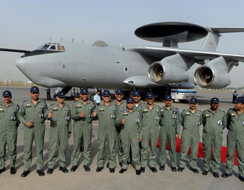 Глаз Индии в небе: индийский самолет с новой системой бортового управления и обнаружения (АВАКС). Индия усилила воздушное наблюдение над большей частью Аруначал-Прадеша, спорной области Индии с Китаем. Фото: Prakash SINGH/AFP/Getty Images