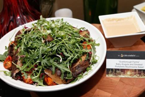 Грибной салат. Фото: Imeh Akpanudosen/Getty Images