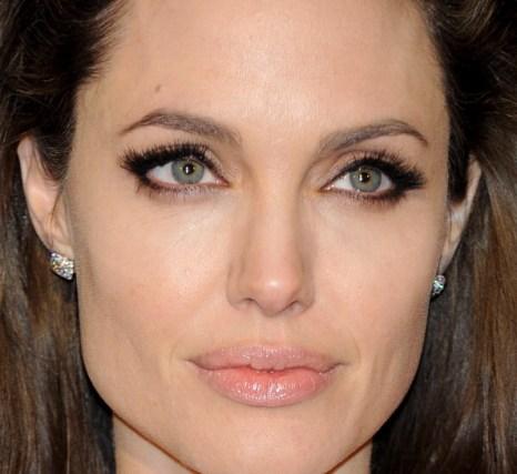 Анджелина Джоли на  премьере фильма «Турист»  в Мадриде, 16 декабря 2010, Мадрид, Испания. Фото: Carlos Alvarez/Getty Images