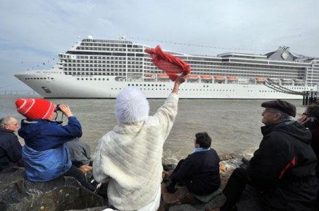 Лайнер MSC Magnifica отправился в свое первое путешествие.  Фото: FRANCK PERRY/AFP/Getty
