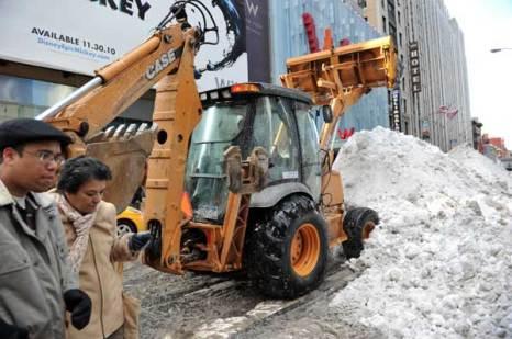 Занесенный снегом Нью-Йорк. Фото: STAN HONDA/AFP/Getty Images