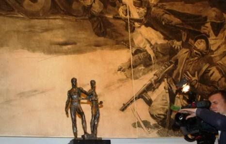 На открытии выставки «За железным занавесом». Фото: Ульяна Ким/Великая Эпоха (The Epoch Times)