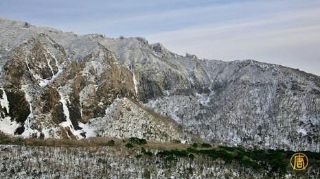 Вид на гору Халла  на острове Чеджу в  Южной Корее. Фото: CHENGKUANKAI/ntdtv