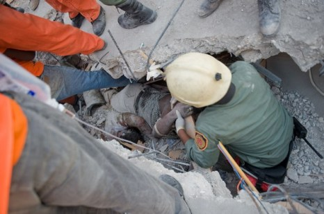 Землетрясение на Гаити — одно из самых страшных в мировой истории. Фото: NICHOLAS KAMM/AFP/Getty Images