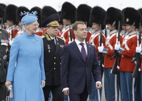 Дмитрия Медведева королева Дании Маргрете II лично встречала в аэропорту. Фото: KELD NAVNTOFT/AFP/Getty Images