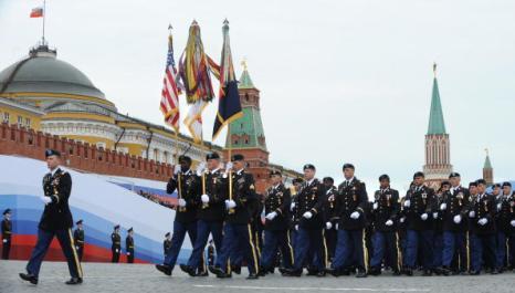 Генеральная репетиция Парада Победы прошла в Москве. Фоторепортаж. Фото: ALEXANDER NEMENOV/AFP/Getty Images