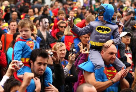 Супермены установили новый мировой рекорд. Фоторепортаж. Фото:  Quinn Rooney/GETTY IMAGES