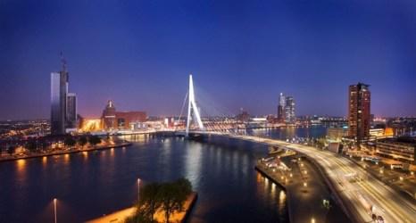 Перед вами самый длинный в мире разводной мост Erasmusbrug. Его длина - 802 метра.Фото: bigpicture.ru