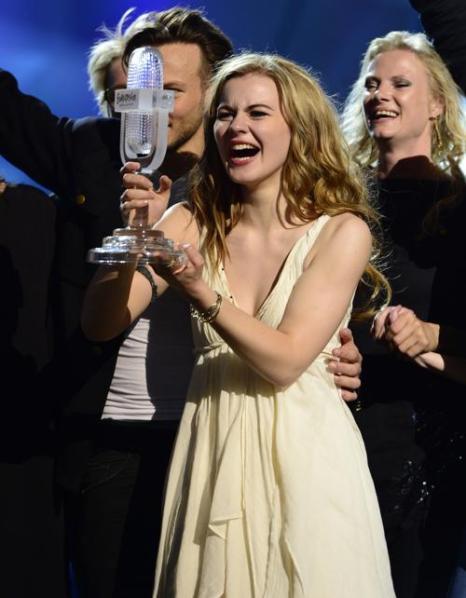 Эммили де Форест в финале «Евровидения-2013». Фото: JOHN MACDOUGALL/AFP/Getty Images
