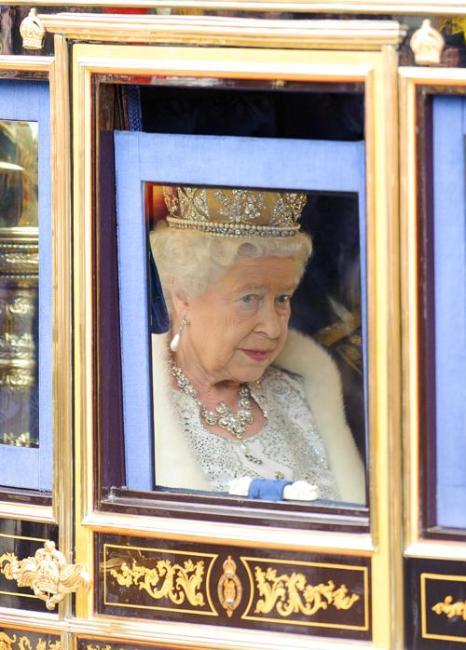Королева Елизавета II отправилась на Церемонию открытия парламента. Фото: Dominic Lipinski - WPA Pool/Getty Images