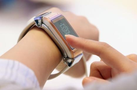 Компания Samsung представила «умные» часы Galaxy Gear на открывшейся 53-й международной выставке бытовой электроники IFA 2013 в Берлине 5 сентября 2013 года. Фото: Sean Gallup/Getty Images