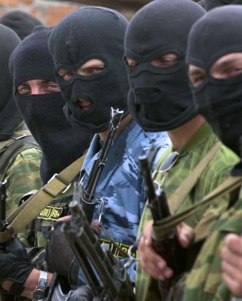 Не все, кто в форме - милиция. Фото: AFP PHOTO /GETTY IMAGES