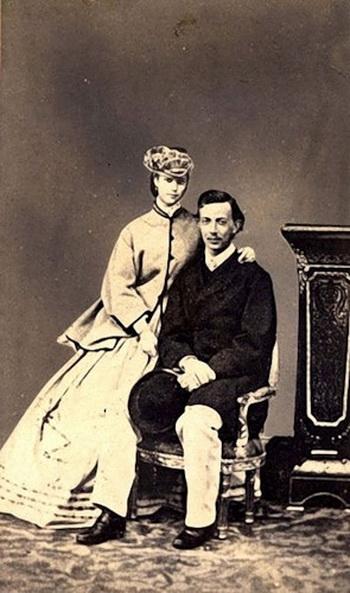 Цесаревич Николай Александрович с невестой, принцессой Дагмарой