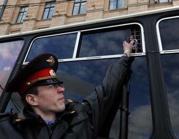 Задержания сторонников оппозиции полицией 31 мая 2012 года. Фото: ANDREY SMIRNOV/AFP/GettyImages